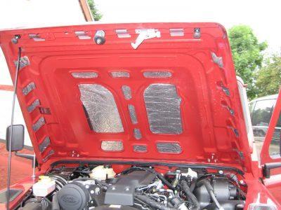 Noisekiller Set für 90/110 TD4 vorne mit Motorhaubenmatte
