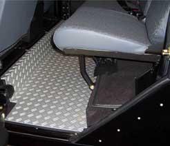 Alu Riffel Fußraumblech Defender 110 - hintere Sitzbank