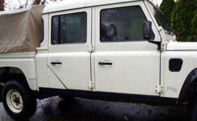 Schwellerverkleidung 2-teilig Defender 130 CC schwarz eloxiert